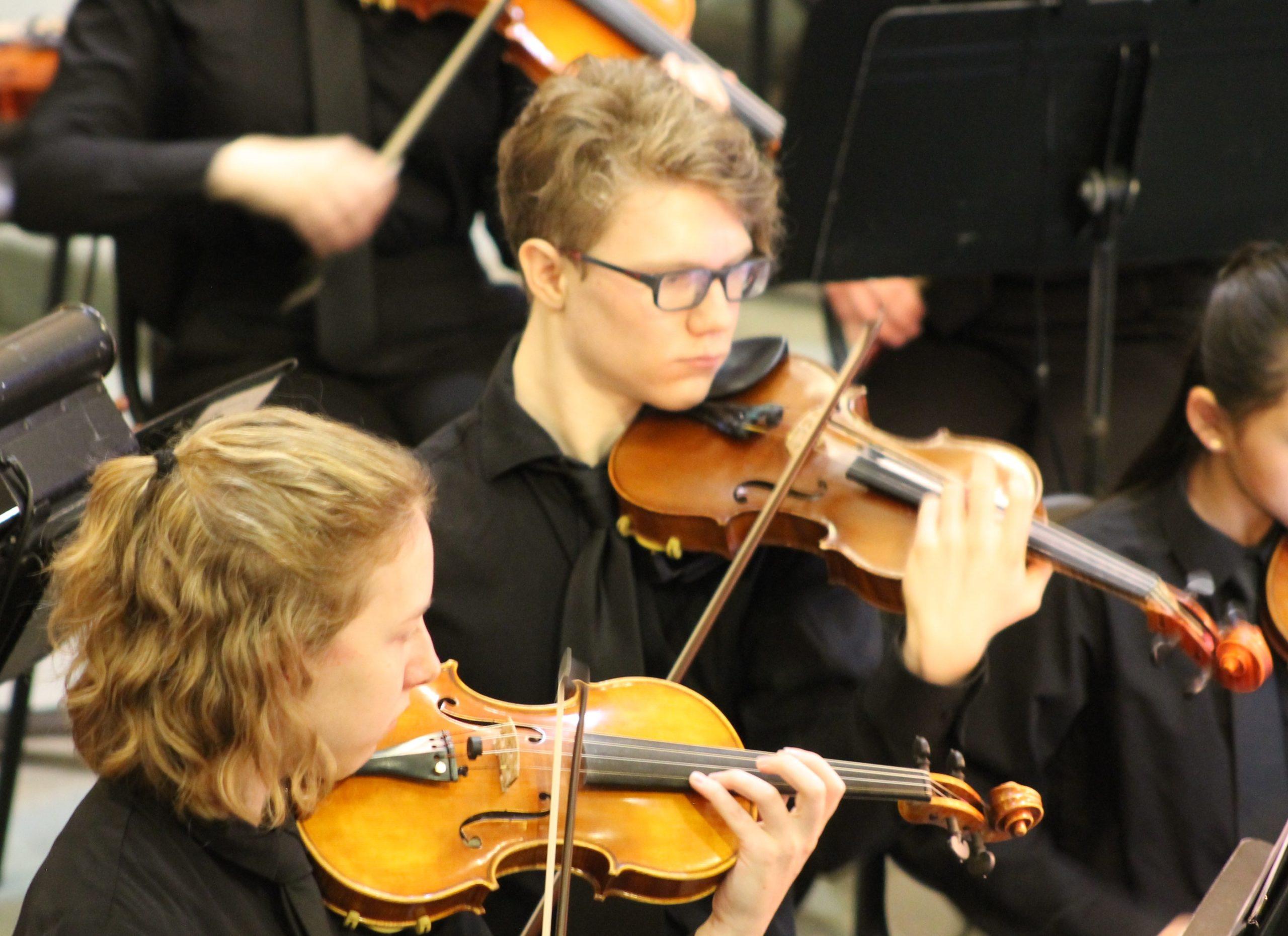 2019 holidays Lindsay violins 1 c